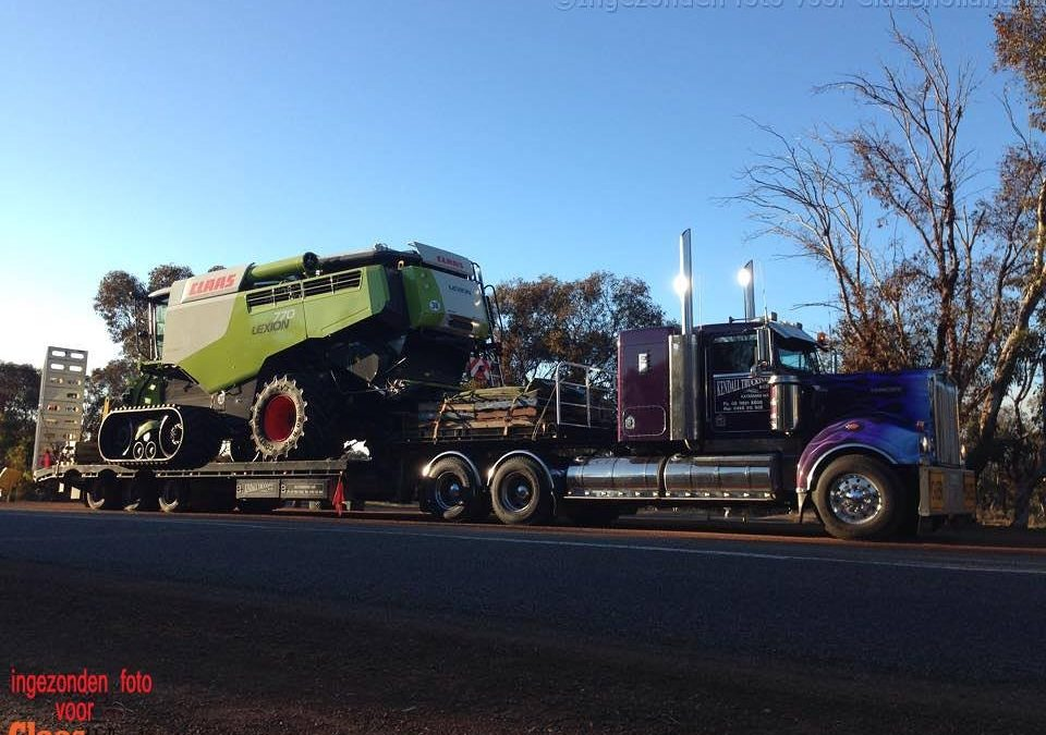 Claas on the road in Australië.