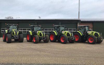 4 nieuwe Claas Trekkers afgeleverd door Bruggeman mechanisatie.