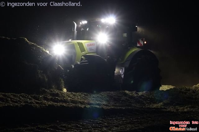 Maize harvest with Claas Axion 800